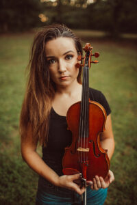 Julia Dina took her violin to Twitch and turned her stream into a content business and led to her quit her symphony job